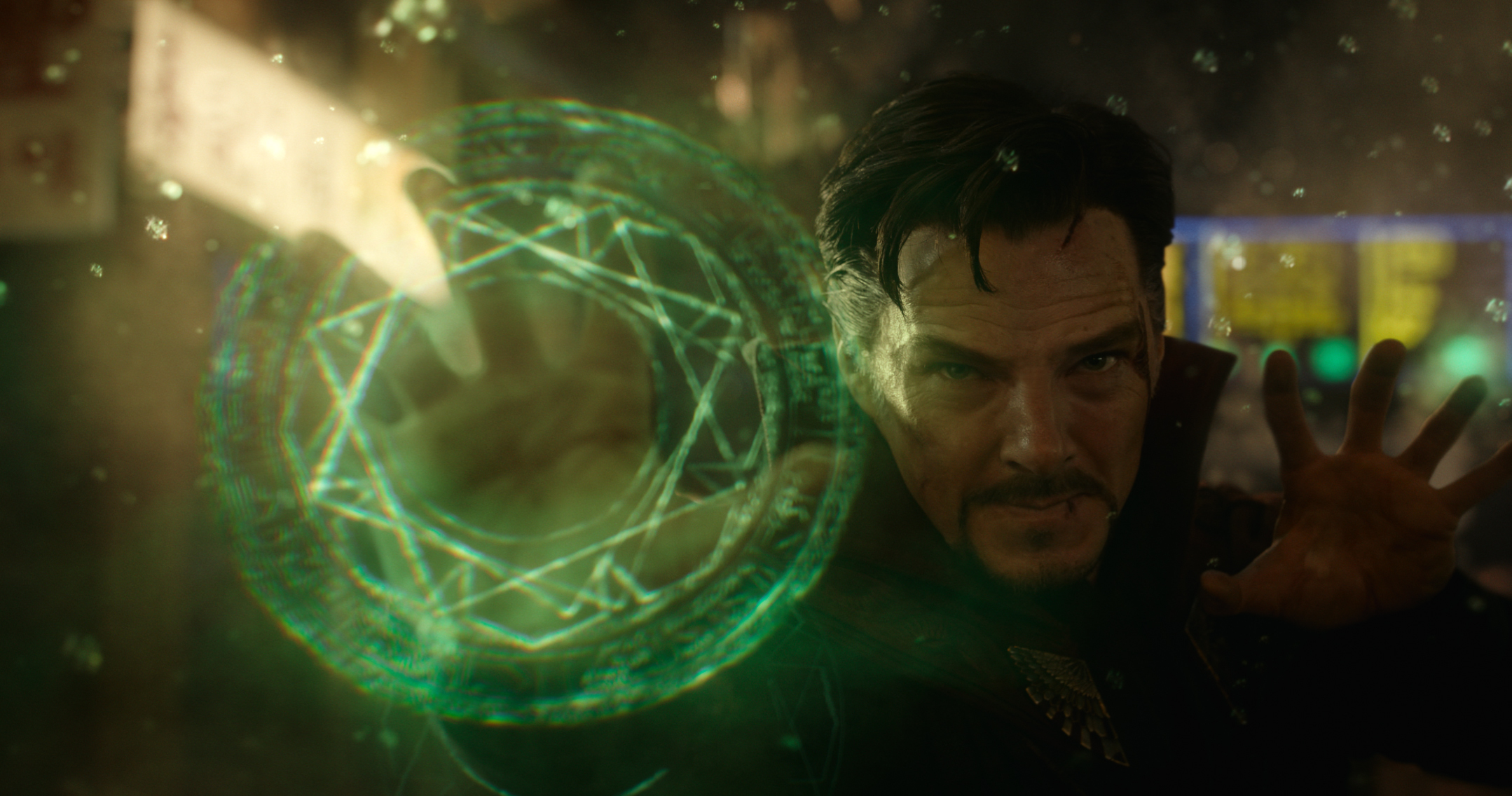 ap foto : ap : this image released by disney shows benedict cumberbatch in marvel's doctor strange, in theaters on november 4. (disney/marvel via ap) one time use only. no cropping of image. ap provides access to this handout photo to be used solely to illustrate news reporting or commentary on the facts or events depicted in this image. this image may be used only for 14 days from the time of transmi film fall previe automatarkiverad