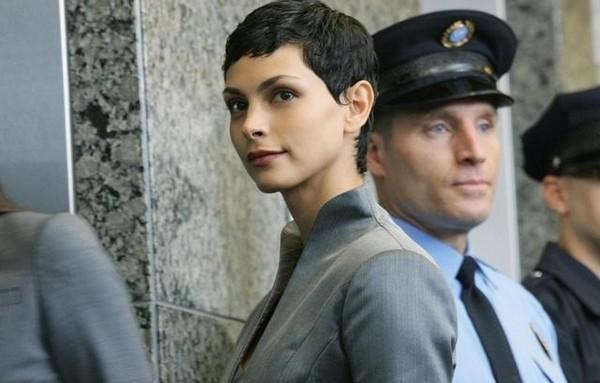 """Morena Baccarin som den """"nya"""" Diana, Anna i """"V"""" från 2009."""